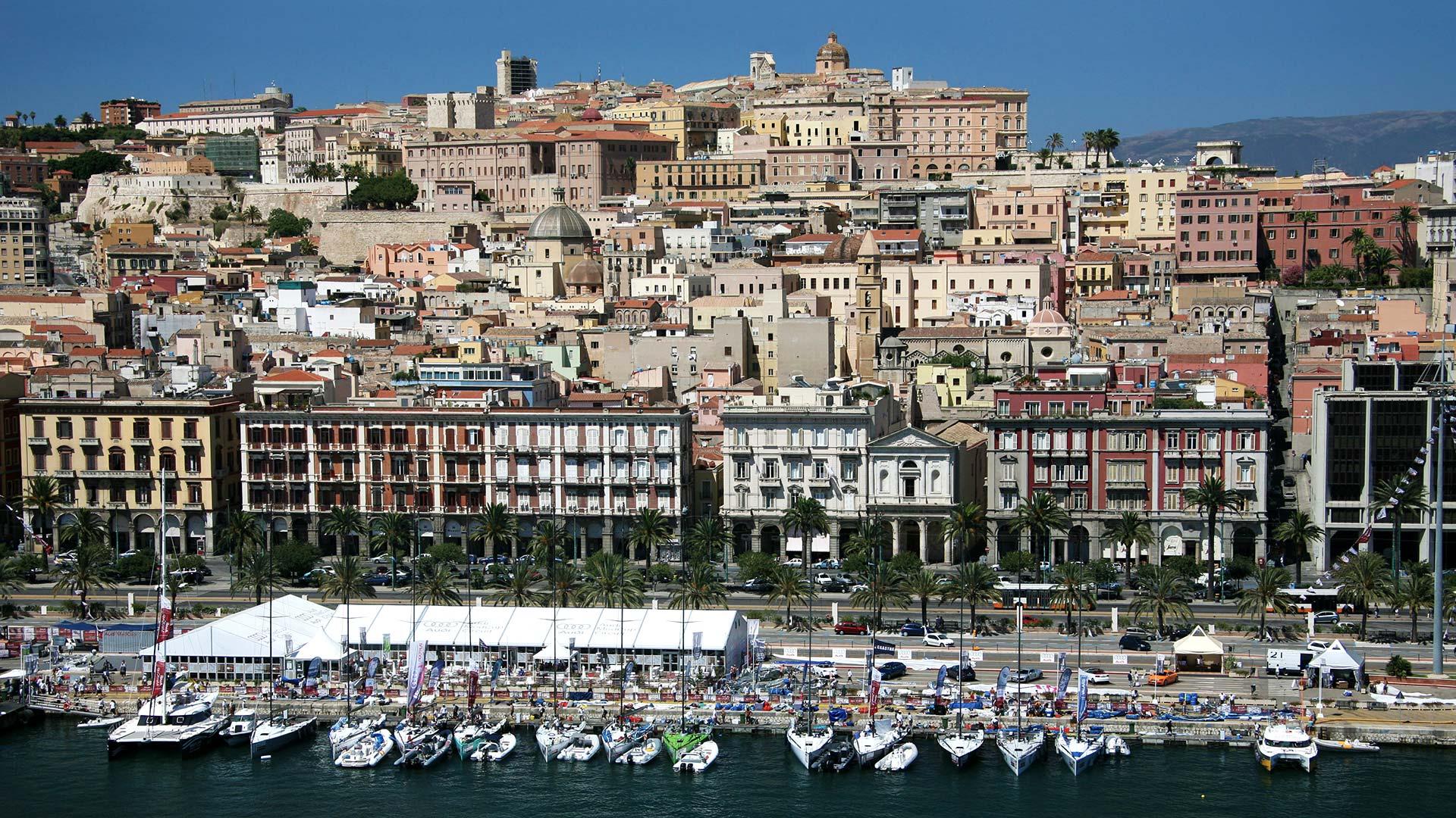 Cagliari dal mare